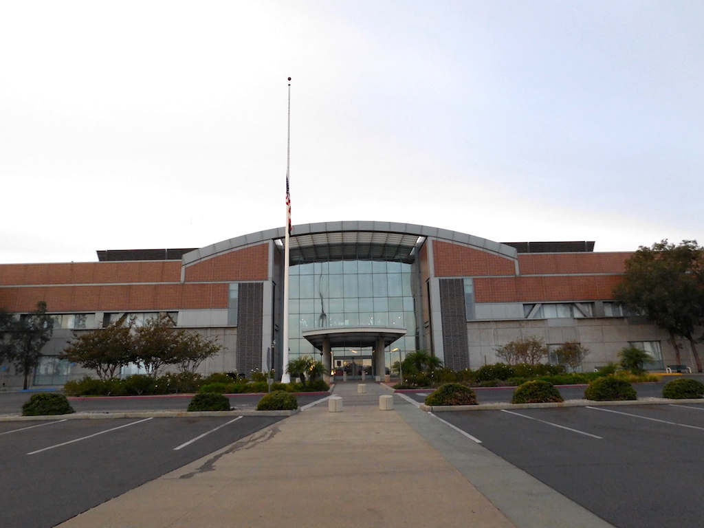 The facade of Grey Sloan Memorial Hospital from Grey's ...